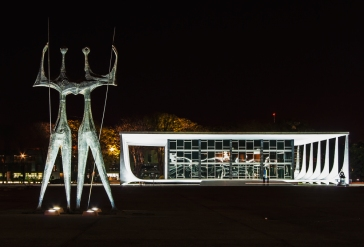 Davide_Solfaroli_Camillocci_2007_Brasilia_Niemeyer_2